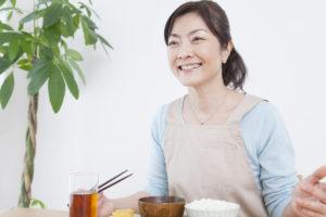 カルシウムが多い食品と効率よく摂る方法【50代以降の女性も不足に注意】